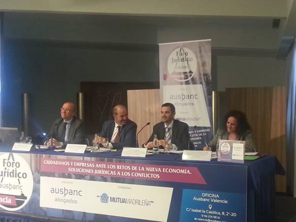 Resumen del exitoso Foro Jurídico AUSBANC en el que participó Gómez de la Flor